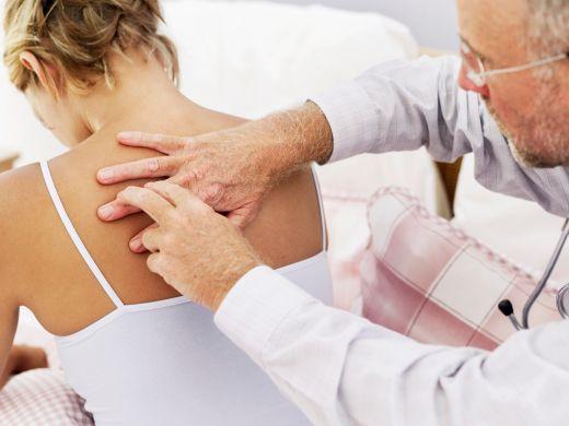 Körperliche Untersuchung bei Rückenschmerzen