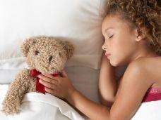 Bettnässen bei Kindern: Langes Einnässen meist organisch bedingt