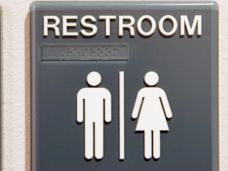 transgender_toilette_weiblich_männlich_94762036.jpg