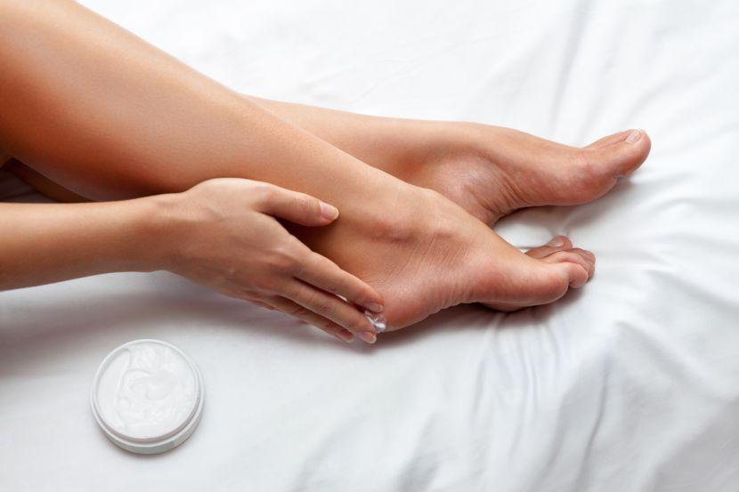 Die Behandlung der Entzündung des Nagels auf der Hand