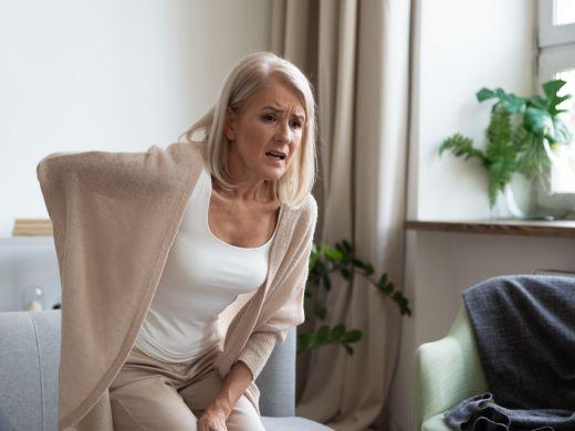 Osteoporose: Wenn der Knochen im Rücken schwindet